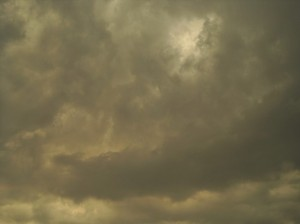 grey-sky-with-yellow-tint